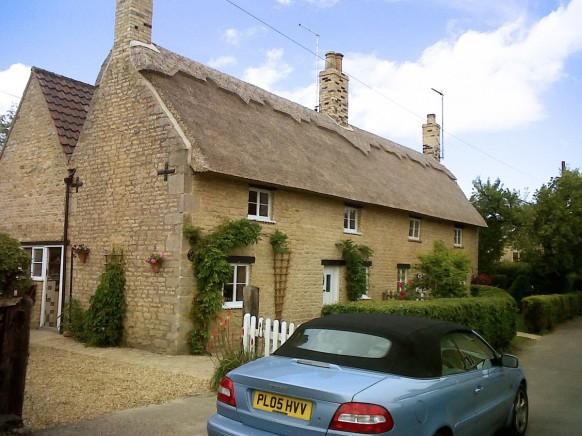 Fully restored cottage